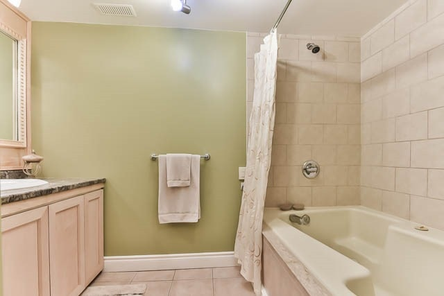 Detached at 4012 Chicory Crt, Mississauga, Ontario. Image 10