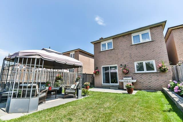 Detached at 4012 Chicory Crt, Mississauga, Ontario. Image 13
