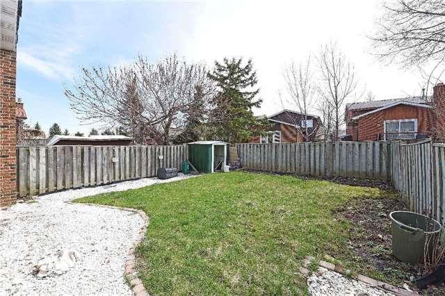 Detached at 23 Lindridge Ave, Brampton, Ontario. Image 10