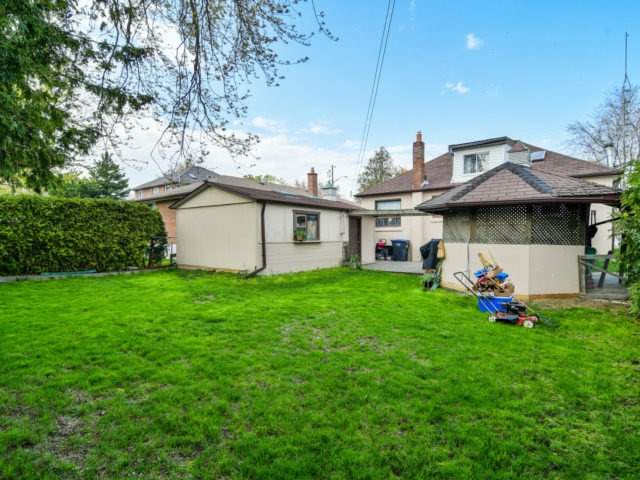 Detached at 1144 Strathy Ave, Mississauga, Ontario. Image 13