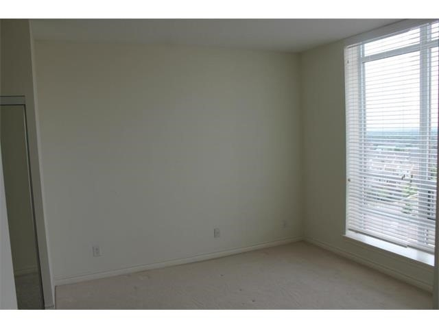 Condo Apartment at 2391 Central Park Dr, Unit 1205, Oakville, Ontario. Image 11