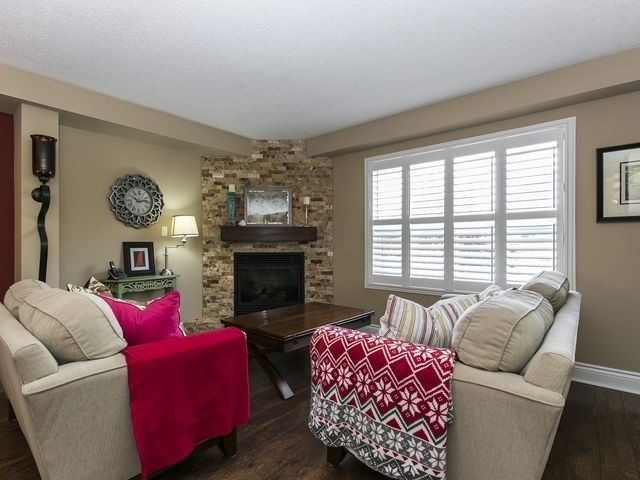 Condo Townhouse at 1550 Reeves Gate, Unit 13, Oakville, Ontario. Image 19