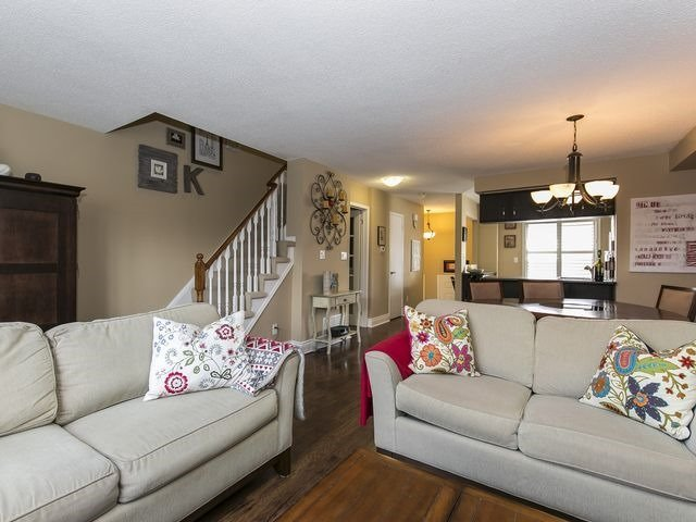 Condo Townhouse at 1550 Reeves Gate, Unit 13, Oakville, Ontario. Image 20