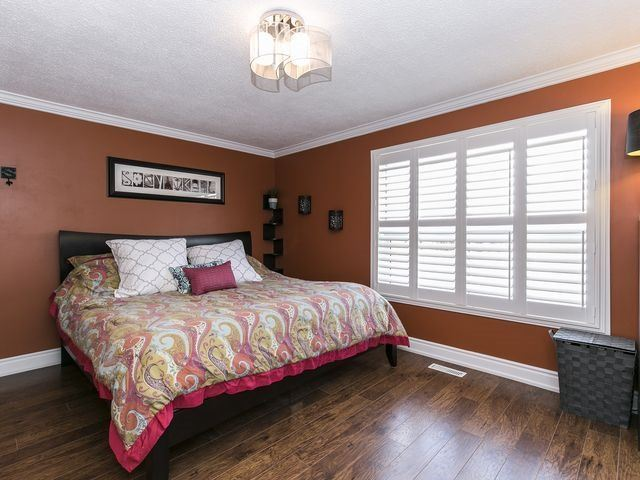 Condo Townhouse at 1550 Reeves Gate, Unit 13, Oakville, Ontario. Image 3