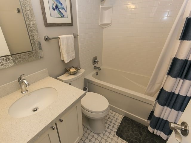Condo Townhouse at 1550 Reeves Gate, Unit 13, Oakville, Ontario. Image 4
