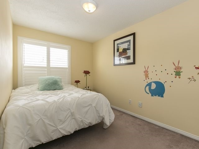 Condo Townhouse at 1550 Reeves Gate, Unit 13, Oakville, Ontario. Image 6
