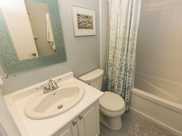 Condo Townhouse at 1550 Reeves Gate, Unit 13, Oakville, Ontario. Image 7