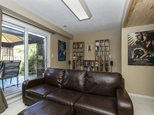 Condo Townhouse at 1550 Reeves Gate, Unit 13, Oakville, Ontario. Image 8