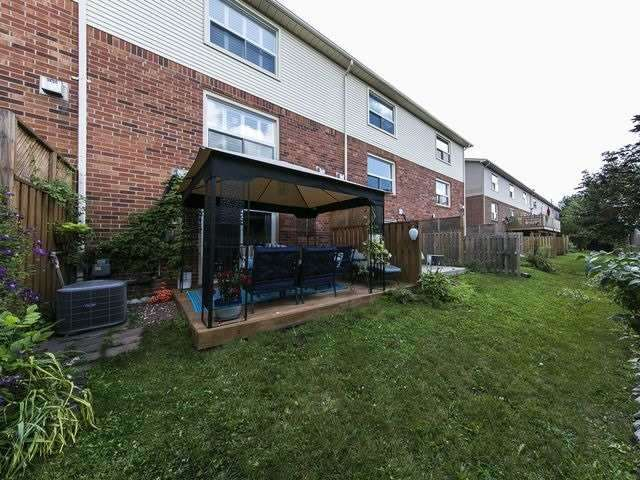 Condo Townhouse at 1550 Reeves Gate, Unit 13, Oakville, Ontario. Image 10