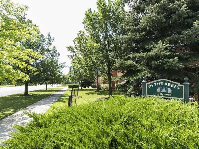 Condo Townhouse at 1550 Reeves Gate, Unit 13, Oakville, Ontario. Image 13