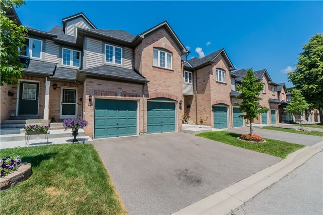 Condo Townhouse at 2088 Leanne Blvd, Unit 30, Mississauga, Ontario. Image 1