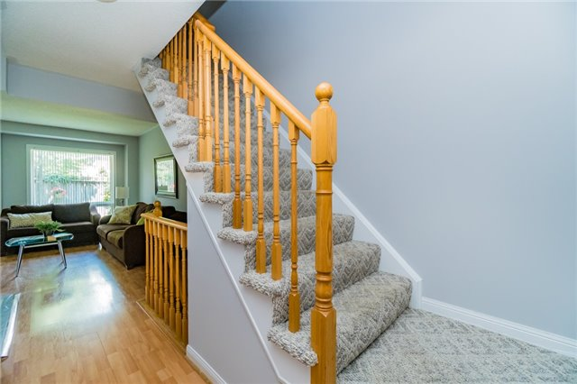Condo Townhouse at 2088 Leanne Blvd, Unit 30, Mississauga, Ontario. Image 14