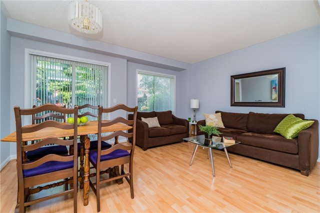 Condo Townhouse at 2088 Leanne Blvd, Unit 30, Mississauga, Ontario. Image 15