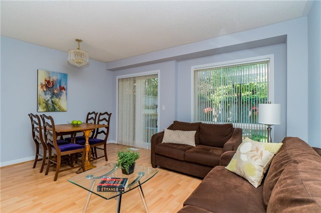 Condo Townhouse at 2088 Leanne Blvd, Unit 30, Mississauga, Ontario. Image 16