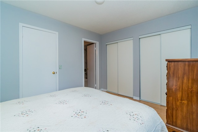 Condo Townhouse at 2088 Leanne Blvd, Unit 30, Mississauga, Ontario. Image 2