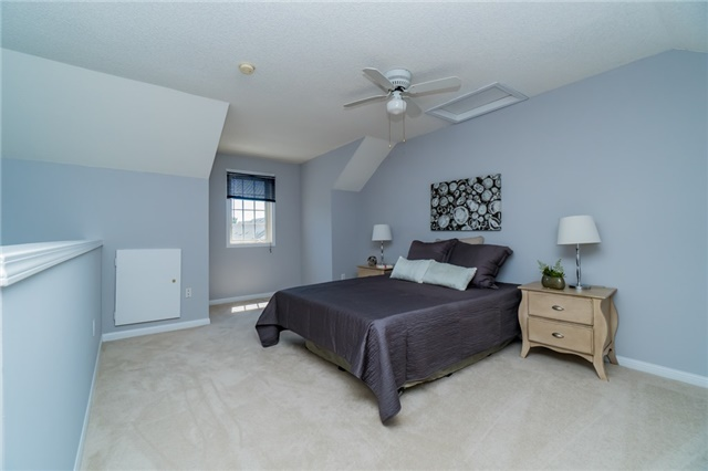 Condo Townhouse at 2088 Leanne Blvd, Unit 30, Mississauga, Ontario. Image 8