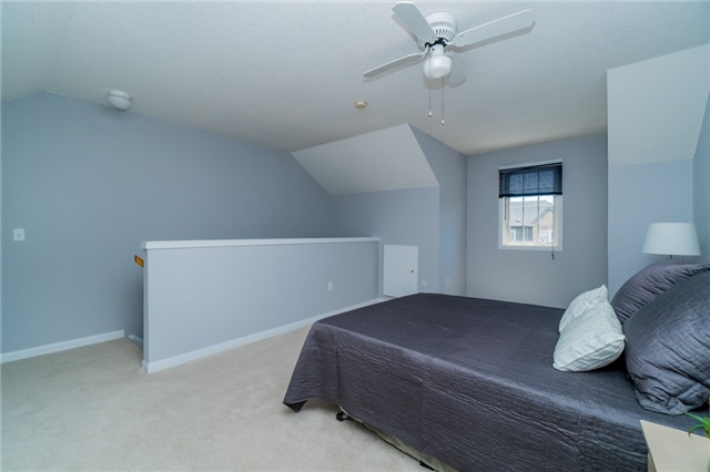 Condo Townhouse at 2088 Leanne Blvd, Unit 30, Mississauga, Ontario. Image 9