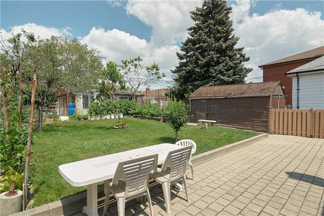 Detached at 36 Omagh Ave, Toronto, Ontario. Image 10