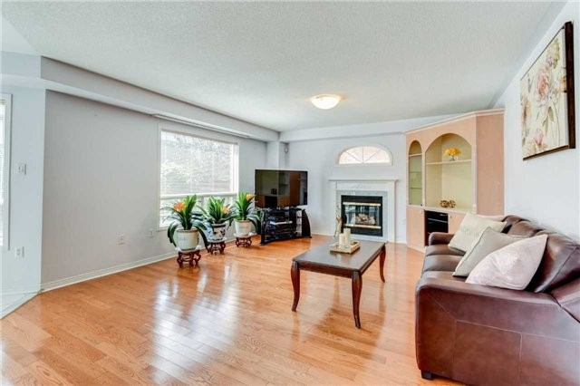 Detached at 33 Southbend Dr, Brampton, Ontario. Image 20