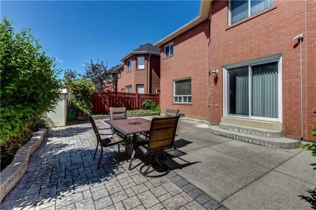 Detached at 33 Southbend Dr, Brampton, Ontario. Image 11
