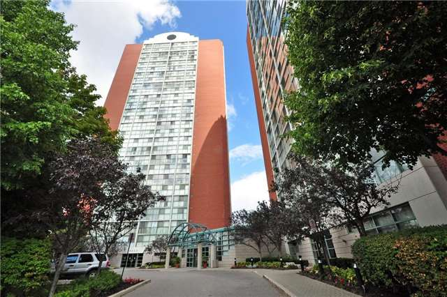 Condo Apartment at 4205 Shipp Dr, Unit 2703, Mississauga, Ontario. Image 1