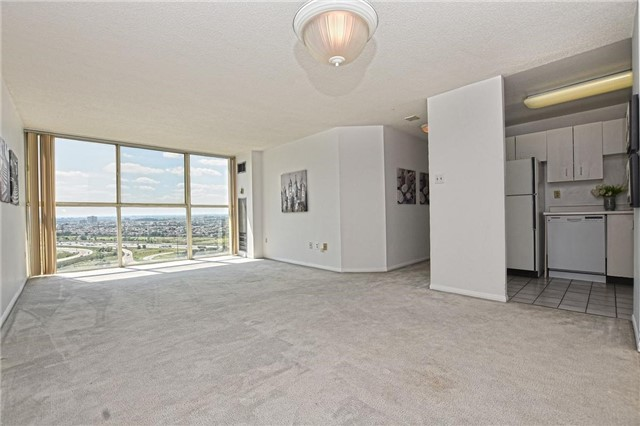 Condo Apartment at 4205 Shipp Dr, Unit 2703, Mississauga, Ontario. Image 16