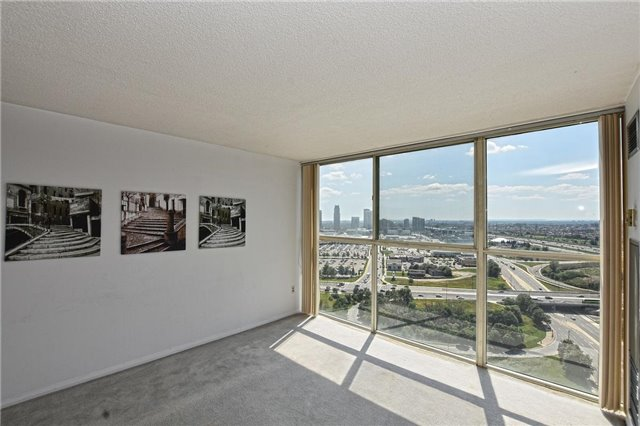 Condo Apartment at 4205 Shipp Dr, Unit 2703, Mississauga, Ontario. Image 20