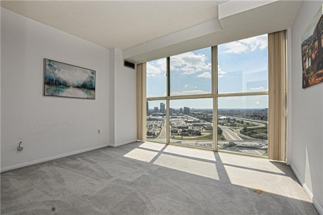 Condo Apartment at 4205 Shipp Dr, Unit 2703, Mississauga, Ontario. Image 8
