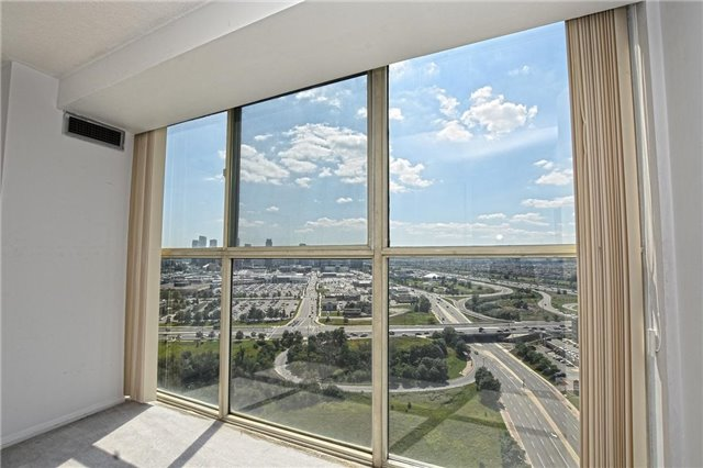 Condo Apartment at 4205 Shipp Dr, Unit 2703, Mississauga, Ontario. Image 10
