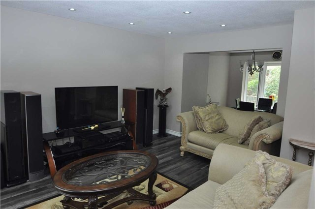 Condo Townhouse at 6780 Formentera Ave, Unit 15, Mississauga, Ontario. Image 1