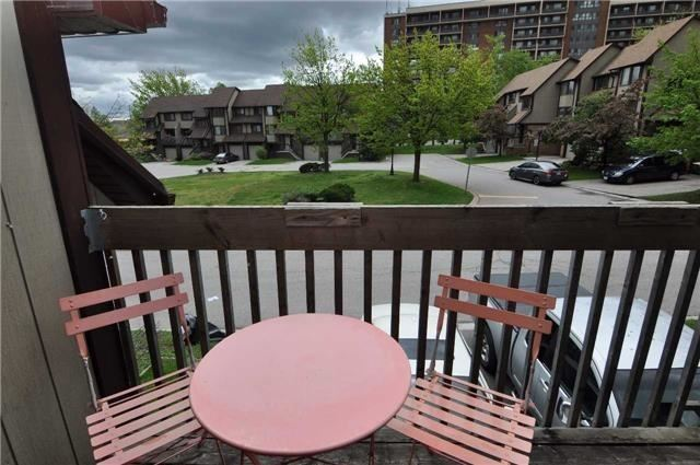 Condo Townhouse at 6780 Formentera Ave, Unit 15, Mississauga, Ontario. Image 8
