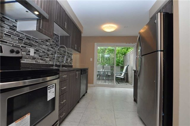 Condo Townhouse at 6780 Formentera Ave, Unit 15, Mississauga, Ontario. Image 10