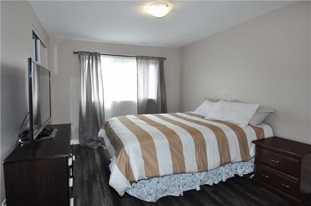 Condo Townhouse at 6780 Formentera Ave, Unit 15, Mississauga, Ontario. Image 12