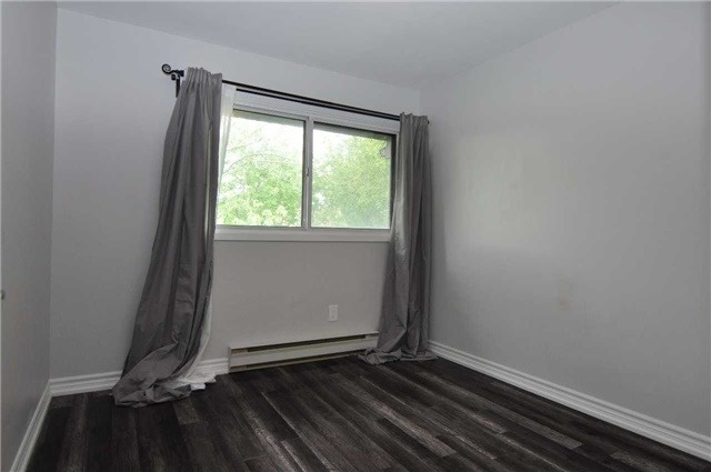 Condo Townhouse at 6780 Formentera Ave, Unit 15, Mississauga, Ontario. Image 13