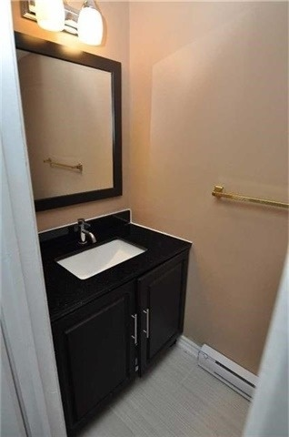 Condo Townhouse at 6780 Formentera Ave, Unit 15, Mississauga, Ontario. Image 5