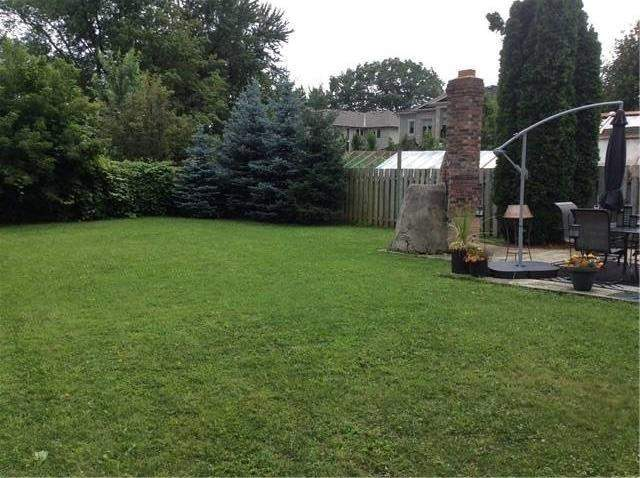 Detached at 1028 Pinegrove Rd, Oakville, Ontario. Image 11