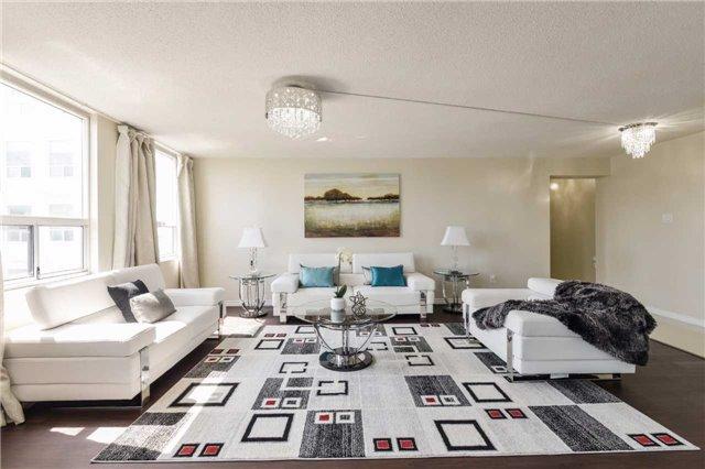 Condo Apartment at 3650 Kaneff Cres, Unit 2303, Mississauga, Ontario. Image 12