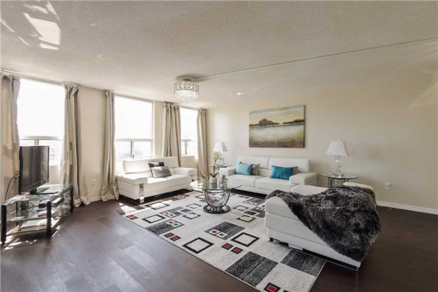 Condo Apartment at 3650 Kaneff Cres, Unit 2303, Mississauga, Ontario. Image 14