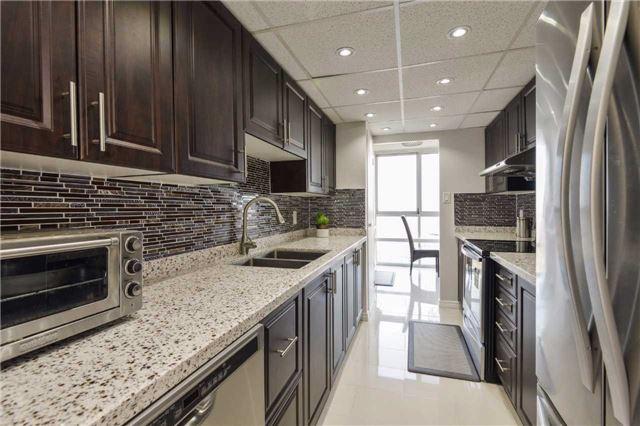 Condo Apartment at 3650 Kaneff Cres, Unit 2303, Mississauga, Ontario. Image 18