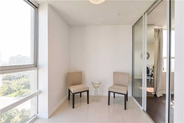Condo Apartment at 3650 Kaneff Cres, Unit 2303, Mississauga, Ontario. Image 20