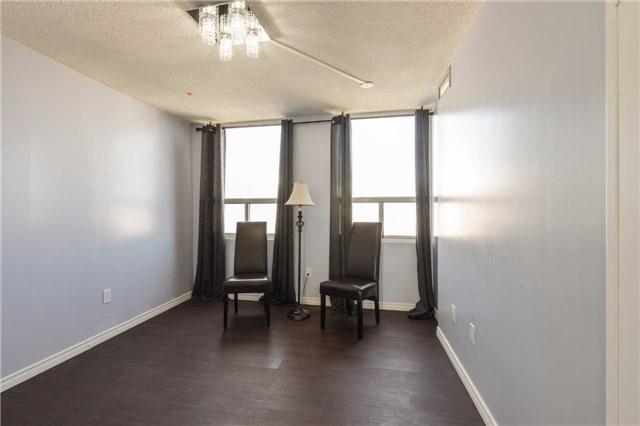 Condo Apartment at 3650 Kaneff Cres, Unit 2303, Mississauga, Ontario. Image 5