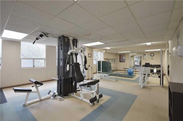 Condo Apartment at 3650 Kaneff Cres, Unit 2303, Mississauga, Ontario. Image 7
