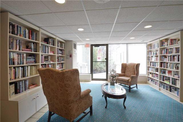 Condo Apartment at 3650 Kaneff Cres, Unit 2303, Mississauga, Ontario. Image 8