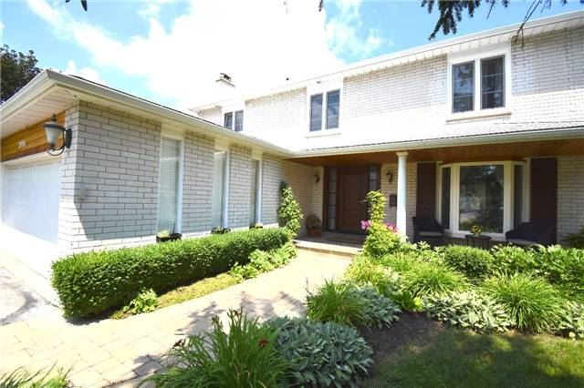 Detached at 3996 Garnetwood Chse, Mississauga, Ontario. Image 14