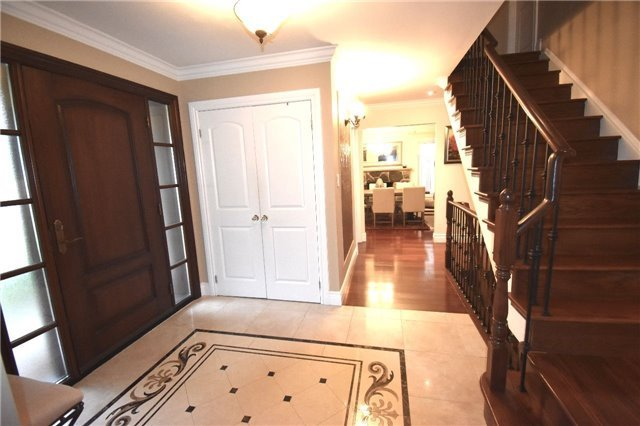 Detached at 3996 Garnetwood Chse, Mississauga, Ontario. Image 15