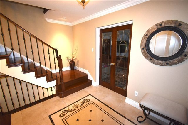 Detached at 3996 Garnetwood Chse, Mississauga, Ontario. Image 16