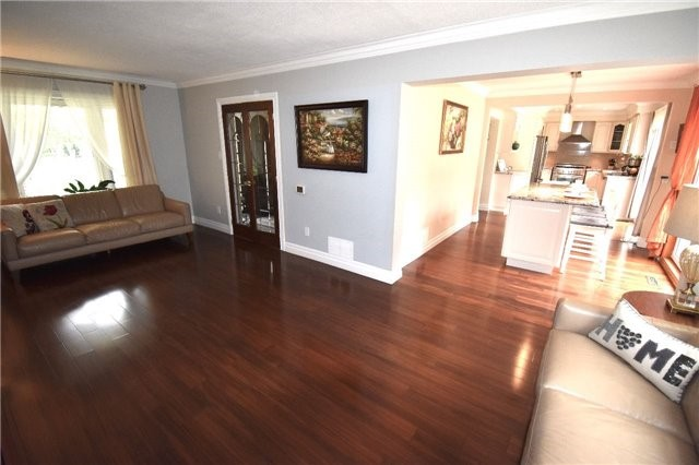 Detached at 3996 Garnetwood Chse, Mississauga, Ontario. Image 17