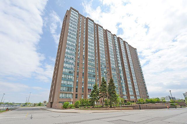 Condo Apartment at 115 Hillcrest Ave, Unit 1413, Mississauga, Ontario. Image 1