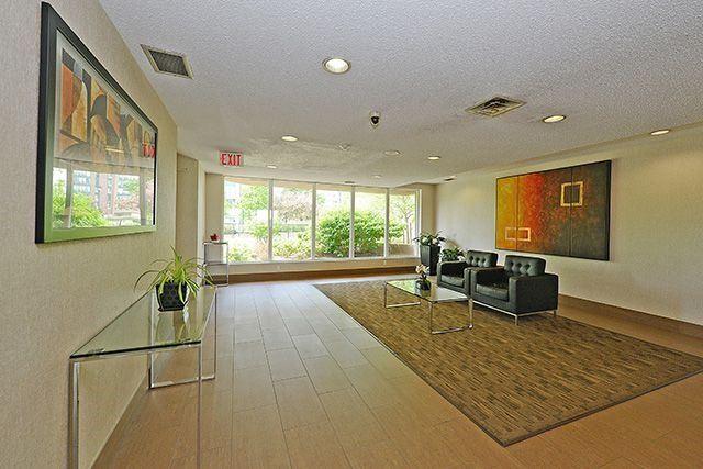 Condo Apartment at 115 Hillcrest Ave, Unit 1413, Mississauga, Ontario. Image 12