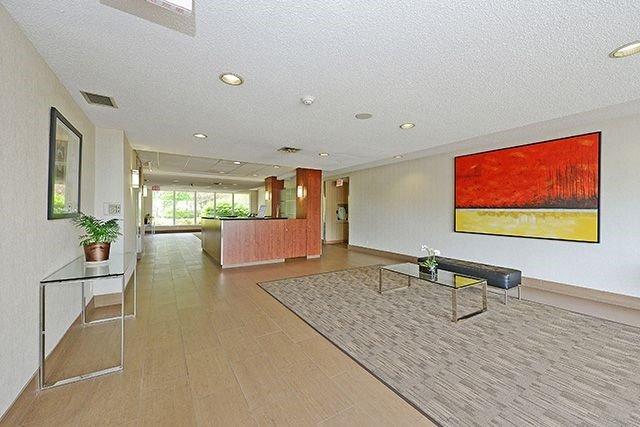Condo Apartment at 115 Hillcrest Ave, Unit 1413, Mississauga, Ontario. Image 14